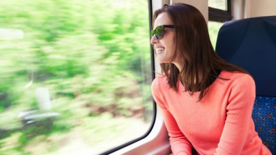woman-traveling-660x370